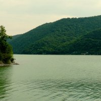 озеро в горах :: Вячеслав Завражнов