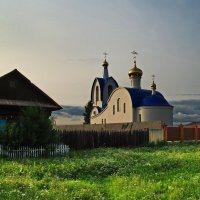 Церковь в поселке Абан. :: Владимир Михайлович Дадочкин