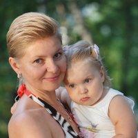 Мама с дочкой :: Alexander Moshkin