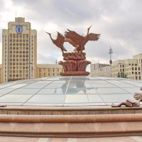 "Минск-на поверхности подземного торгового центра ""Столица"" :: yuri Zaitsev"