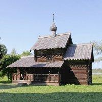 Деревянная церковь :: Александр Николаев