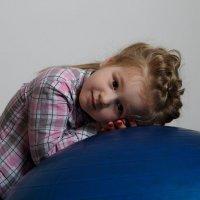 Девочка с шаром :: Alexander Moshkin
