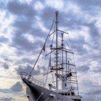 Пятимачтовая моторно-парусная яхта «Club Med 2» :: Valeriy Piterskiy