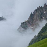 Горы тают в облаках :: Ксения Соварцева