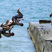 Прыжки в море :: Oleg Khot