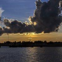 Полет на закате :: Valeriy Piterskiy