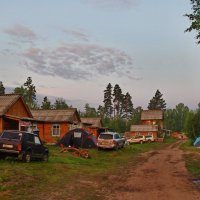 Лагерь отдыхающих на оз.Плахино.Раннее утро. :: Владимир Михайлович Дадочкин