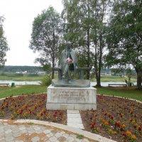 Памятник Н.Рубцову в Тотьме. :: Мила