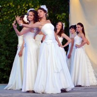 Невесты :: Владимир Болдырев