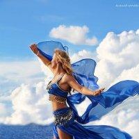 Парящая в небесах.. :: Alena