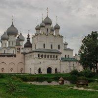 У собора :: Roman Suzdaltsev