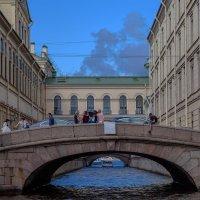 Санкт-Петербург, Зимний мост. :: Александр Дроздов