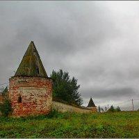 древние стены :: Дмитрий Анцыферов