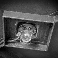 Свет во мраке... :: Павел Белоус