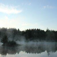 Озеро на рассвете :: Юлия Манчева