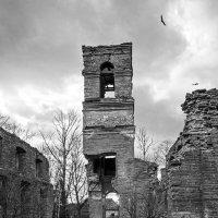 О чем молчат разрушенные храмы?.. :: Сергей Костенко