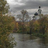 Осень в тихом городке :: sergej-smv
