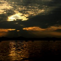 Закат в бухте :: Владимир Брызгалов