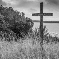 Одинокий крест :: Леонид Соболев