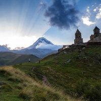 Gergeti Trinity Church :: Андрей Щукин