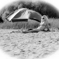 Миледи на пляже :: Сергей Липягов