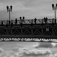 ...И мост летит средь облаков!... ....из серии...Гуляя по Москве.... :: Ира Егорова :)))