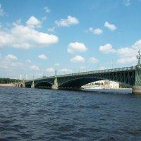 Каменоостровский  мост :: Виктор Елисеев