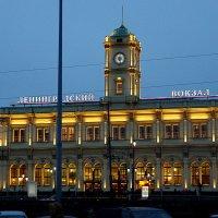 Ленинградский вокзал :: Igor Khmelev
