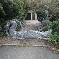 Ворота с драконом :: Natalia Harries