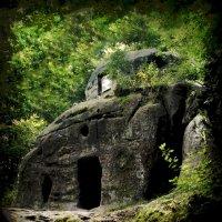 Монастырь в скалах :: Юрий Гординский