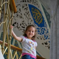 В мечети Кул Шариф, на площадке для туристов моя дочь Сандра :: Людмила Сафина