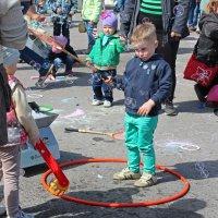Северодвинск. Праздник мыльных пузырей (7) :: Владимир Шибинский