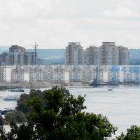 Вода в южном районе города :: Николай Сапегин