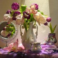 Ах, эти первые тюльпаны... :: Валентина Колова