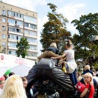 Верхом на спине... :: Андрей Евгеньевич