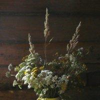 """""""Осень жёлтой косынкой повязана, тихой грустью полны вечера..."""" из песни :: veilins veilins"""