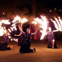 Танец с огнем :: Ольга Голубева