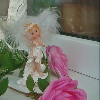 Не случайно выбрав статуэтку, Ангела подобие живого… :: Нина Корешкова
