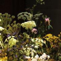"""""""К цветку цветок сплетай венок.."""" из песни :: veilins veilins"""