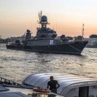 Заходили в нашу гавань корабли... :: Valerii Ivanov