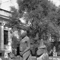 Каменные бабы :: Юрий Муханов