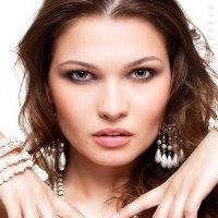 Pearls :: Maria Sandro