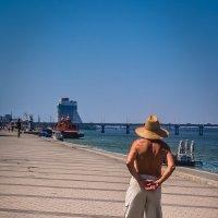 Прогулка вдоль набережной :: Ксения Базарова