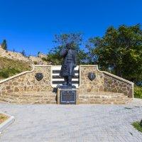 Памятник Афанасию Никитину :: Николай Николенко