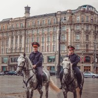 Наша милиция нас бережёт) :: Ксения Базарова