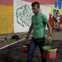 Участники росписи на стене АЗЛК :: Людмила Синицына