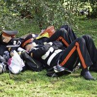 пока идут маневры, спокойно ... (дети) спят :: Petr Popov