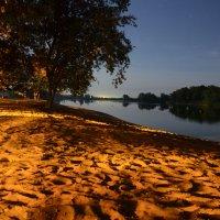 Ночной пляж :: Алексей Чипиго