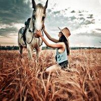 Девушка и лошадь :: Юлия Нагибович