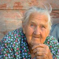 Бабушкин взгляд :: Наталина Зуева